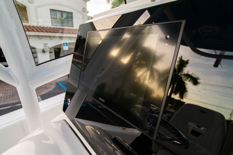 Thumbnail 34 for New 2020 Sportsman Open 282 Center Console boat for sale in Stuart, FL