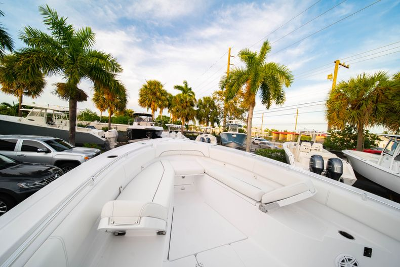 Thumbnail 46 for New 2020 Sportsman Open 282 Center Console boat for sale in Stuart, FL