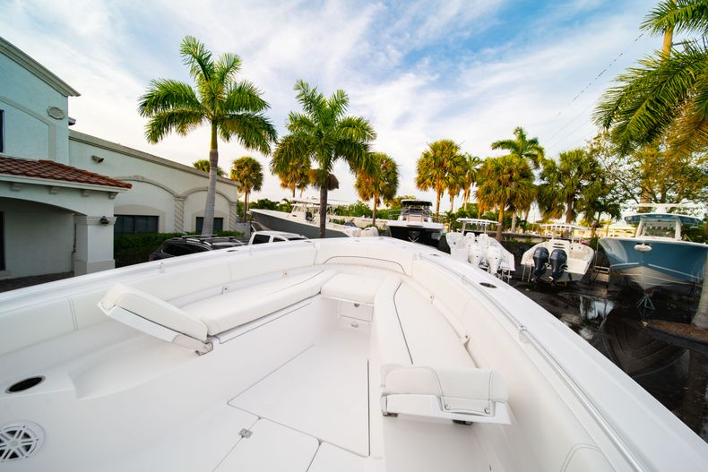 Thumbnail 44 for New 2020 Sportsman Open 282 Center Console boat for sale in Stuart, FL
