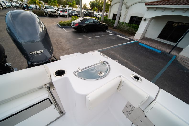 Thumbnail 16 for New 2020 Sportsman Open 282 Center Console boat for sale in Stuart, FL