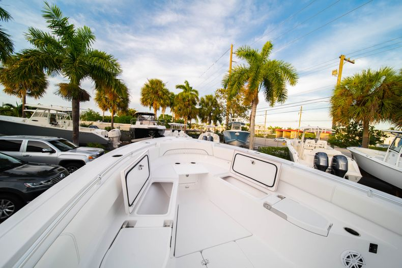Thumbnail 47 for New 2020 Sportsman Open 282 Center Console boat for sale in Stuart, FL