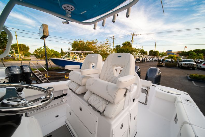 Thumbnail 41 for New 2020 Sportsman Open 282 Center Console boat for sale in Stuart, FL