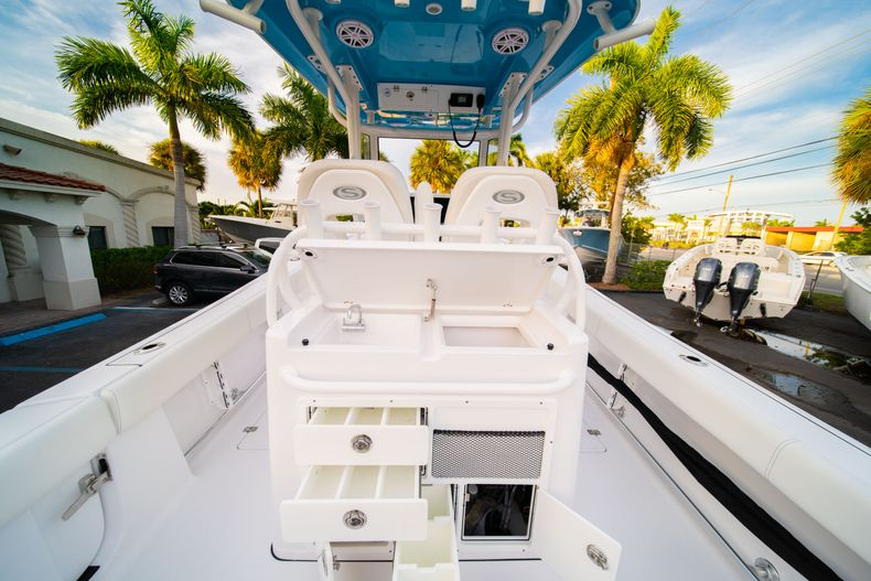 Thumbnail 21 for New 2020 Sportsman Open 282 Center Console boat for sale in Stuart, FL