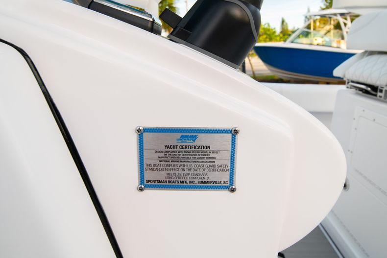 Thumbnail 38 for New 2020 Sportsman Open 282 Center Console boat for sale in Stuart, FL