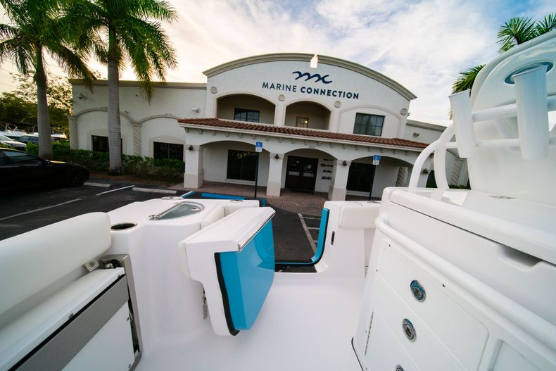 Thumbnail 24 for New 2020 Sportsman Open 282 Center Console boat for sale in Stuart, FL