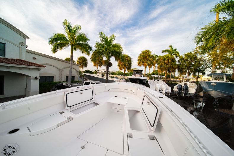 Thumbnail 45 for New 2020 Sportsman Open 282 Center Console boat for sale in Stuart, FL