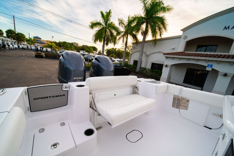 Thumbnail 13 for New 2020 Sportsman Open 282 Center Console boat for sale in Vero Beach, FL