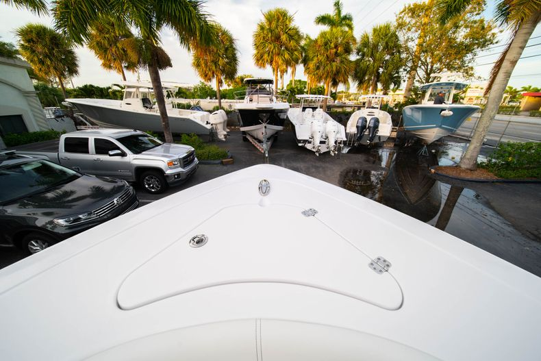 Thumbnail 51 for New 2020 Sportsman Open 282 Center Console boat for sale in Stuart, FL