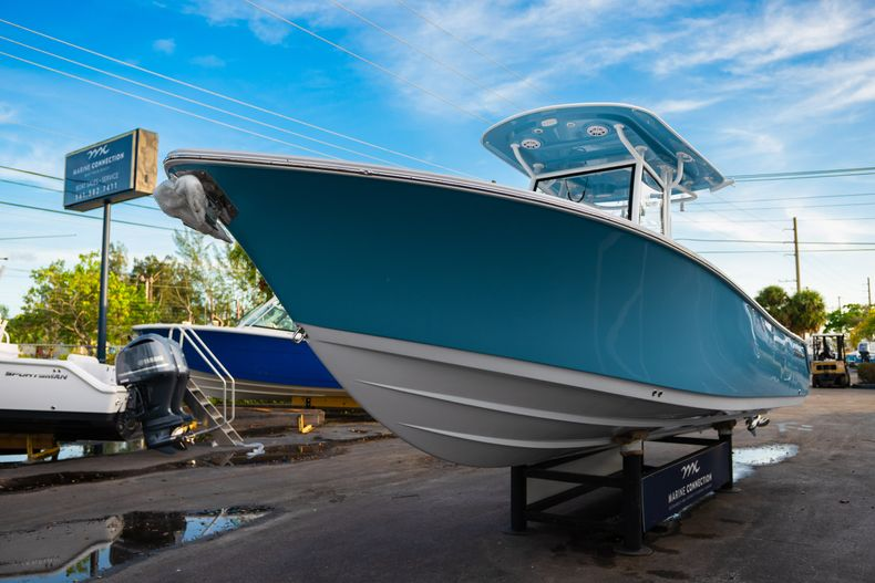 Thumbnail 3 for New 2020 Sportsman Open 282 Center Console boat for sale in Stuart, FL