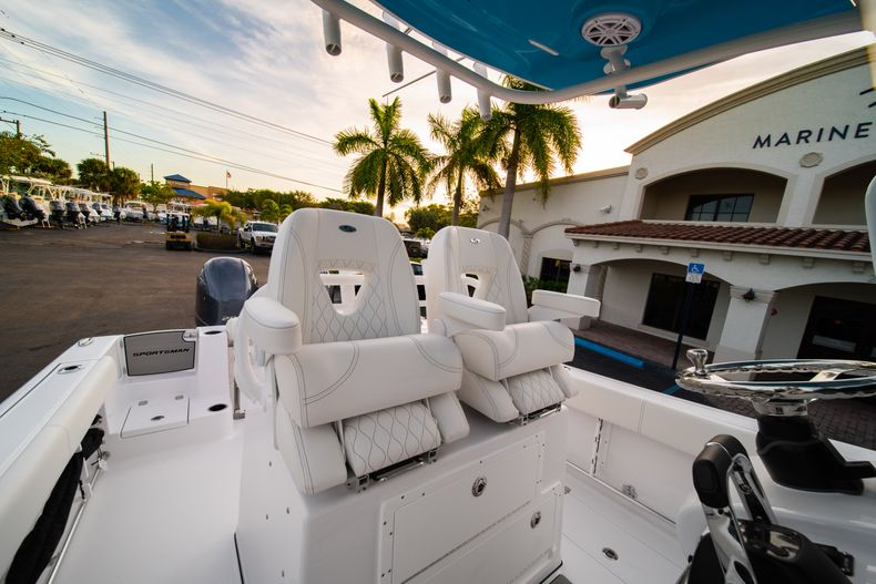 Thumbnail 39 for New 2020 Sportsman Open 282 Center Console boat for sale in Stuart, FL