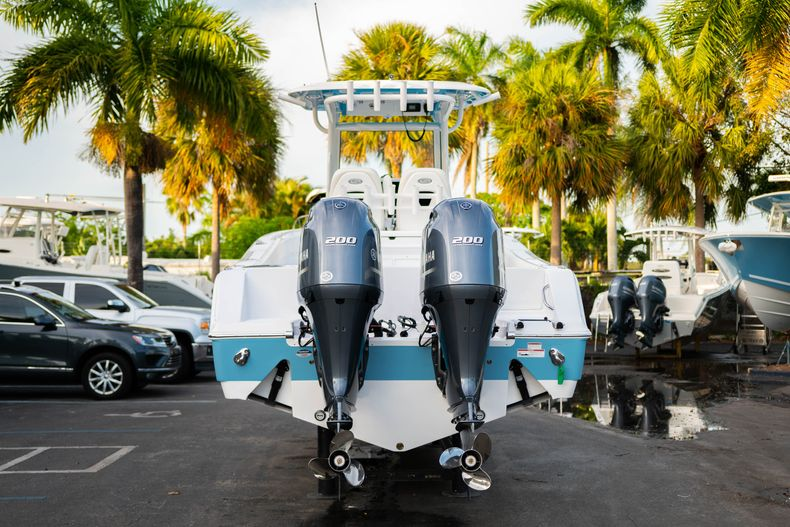 Thumbnail 7 for New 2020 Sportsman Open 282 Center Console boat for sale in Stuart, FL