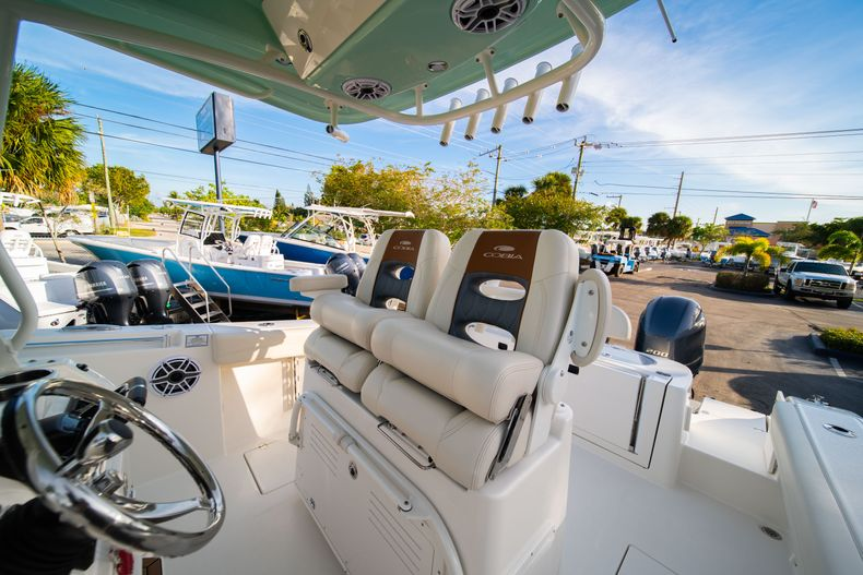Thumbnail 35 for New 2020 Cobia 280 CC Center Console boat for sale in West Palm Beach, FL