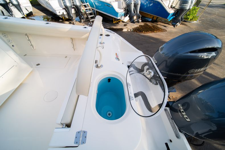 Thumbnail 10 for New 2020 Cobia 280 CC Center Console boat for sale in West Palm Beach, FL