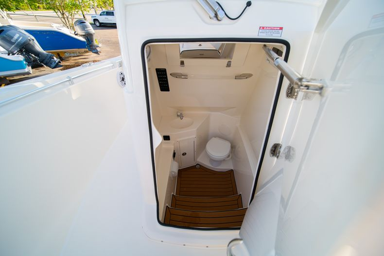 Thumbnail 48 for New 2020 Cobia 280 CC Center Console boat for sale in West Palm Beach, FL