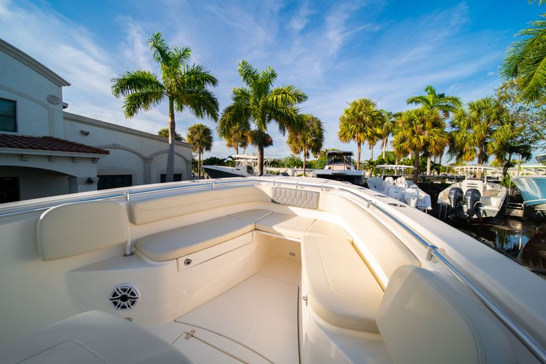 Thumbnail 38 for New 2020 Cobia 280 CC Center Console boat for sale in West Palm Beach, FL