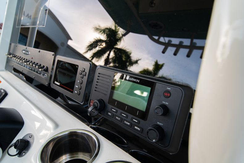 Thumbnail 28 for New 2020 Cobia 280 CC Center Console boat for sale in West Palm Beach, FL