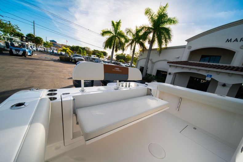 Thumbnail 12 for New 2020 Cobia 280 CC Center Console boat for sale in West Palm Beach, FL