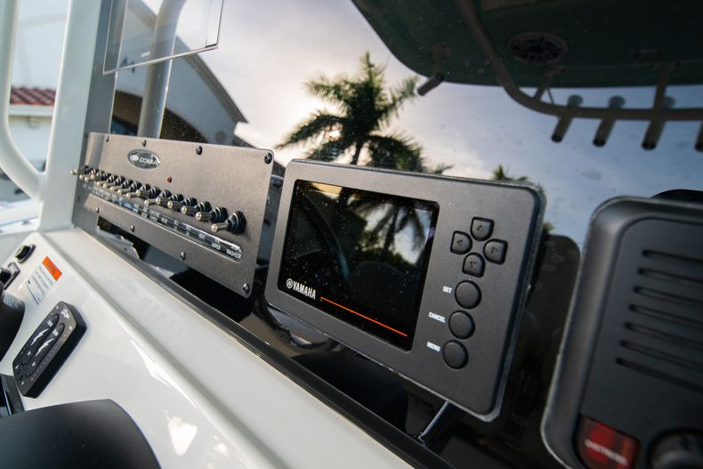 Thumbnail 29 for New 2020 Cobia 280 CC Center Console boat for sale in West Palm Beach, FL
