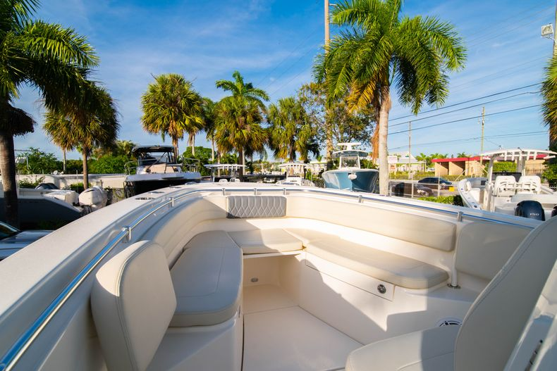 Thumbnail 41 for New 2020 Cobia 280 CC Center Console boat for sale in West Palm Beach, FL