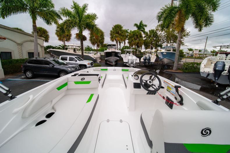 Thumbnail 8 for New 2020 Hurricane SS 185 OB boat for sale in West Palm Beach, FL