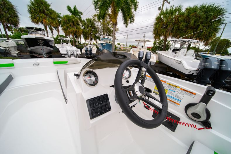 Thumbnail 19 for New 2020 Hurricane SS 185 OB boat for sale in West Palm Beach, FL