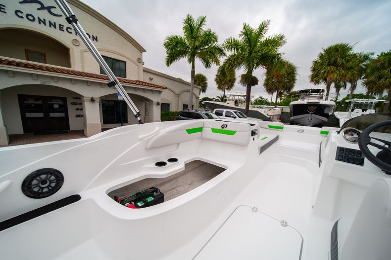 Thumbnail 14 for New 2020 Hurricane SS 185 OB boat for sale in West Palm Beach, FL