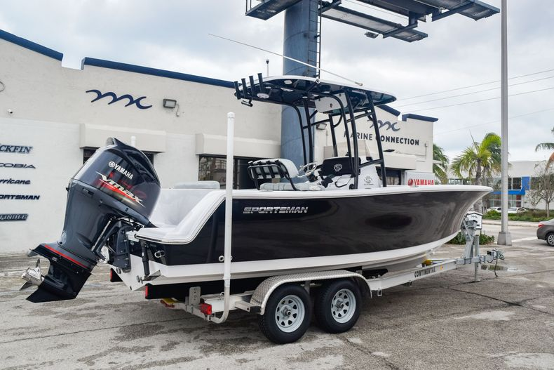 Thumbnail 5 for Used 2019 Sportsman Open 232 Center Console boat for sale in Fort Lauderdale, FL