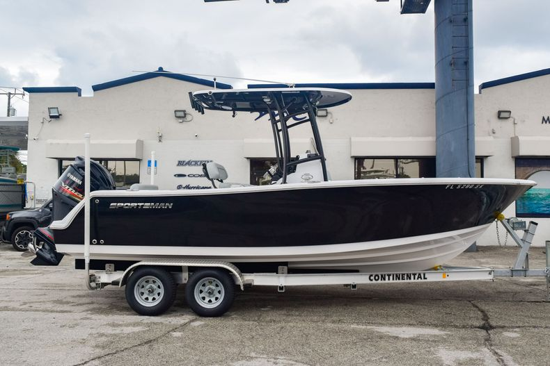 Used 2019 Sportsman Open 232 Center Console boat for sale in Fort Lauderdale, FL