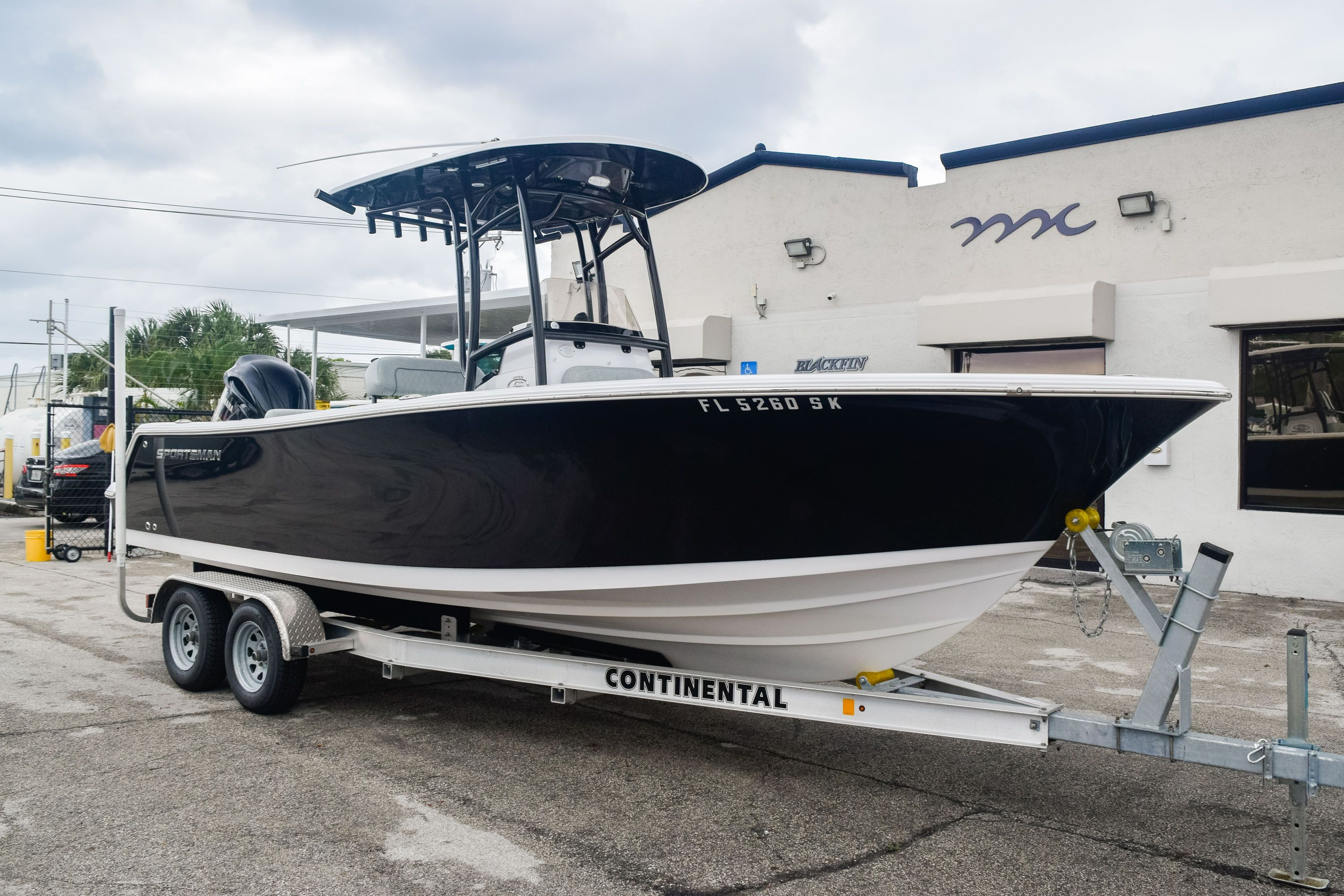 Thumbnail 1 for Used 2019 Sportsman Open 232 Center Console boat for sale in Fort Lauderdale, FL