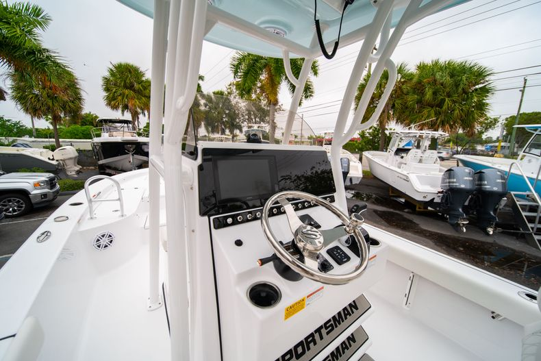 Thumbnail 22 for New 2020 Sportsman Masters 247 Bay Boat boat for sale in West Palm Beach, FL