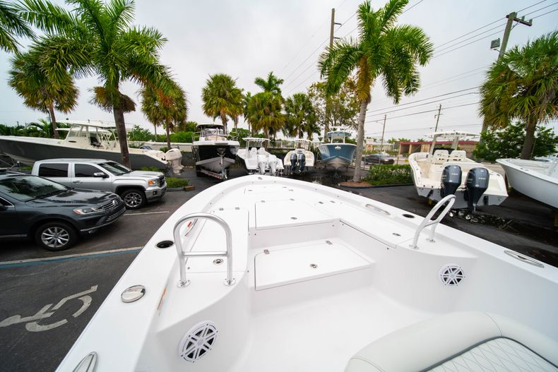 Thumbnail 32 for New 2020 Sportsman Masters 247 Bay Boat boat for sale in West Palm Beach, FL
