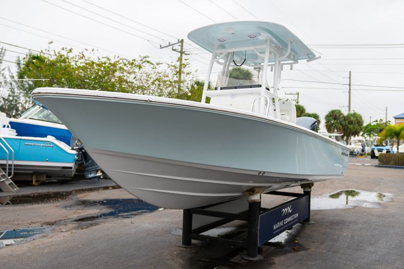 Thumbnail 3 for New 2020 Sportsman Masters 247 Bay Boat boat for sale in West Palm Beach, FL