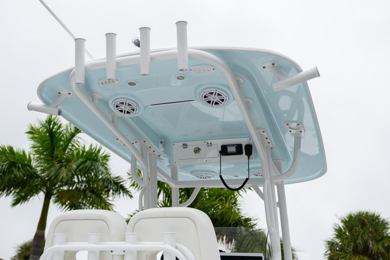 Thumbnail 8 for New 2020 Sportsman Masters 247 Bay Boat boat for sale in West Palm Beach, FL