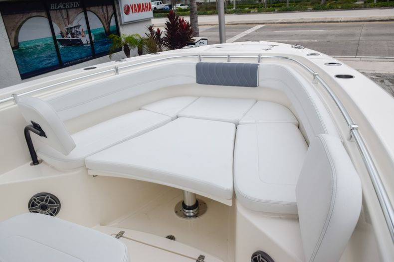 Thumbnail 29 for New 2020 Cobia 280 CC Center Console boat for sale in Fort Lauderdale, FL