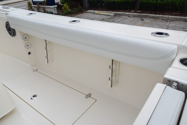 Thumbnail 15 for New 2020 Cobia 280 CC Center Console boat for sale in Fort Lauderdale, FL