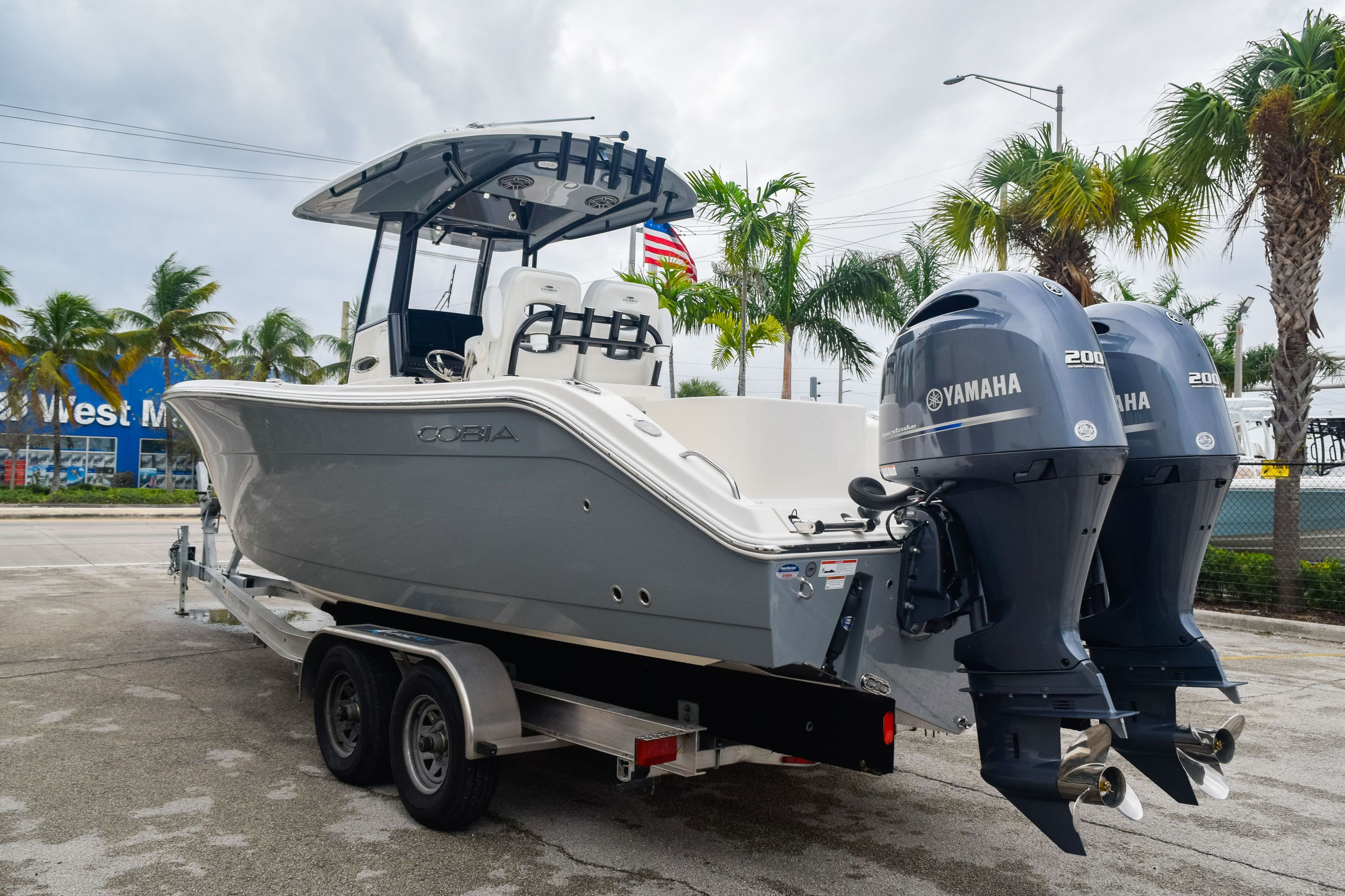 Thumbnail 5 for New 2020 Cobia 280 CC Center Console boat for sale in Fort Lauderdale, FL