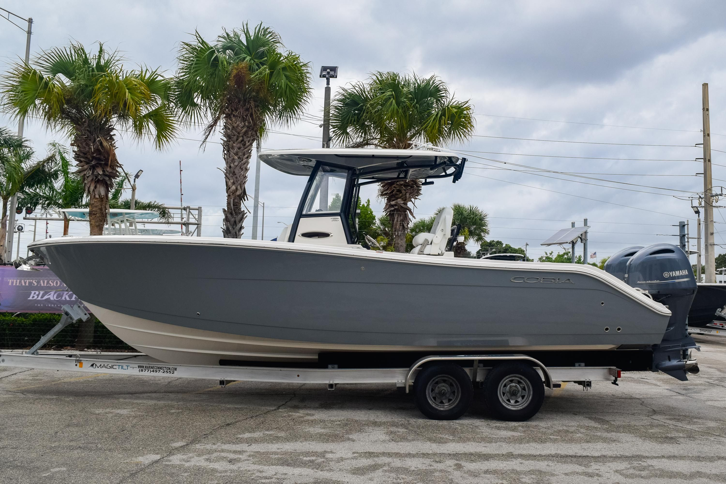Thumbnail 4 for New 2020 Cobia 280 CC Center Console boat for sale in Fort Lauderdale, FL