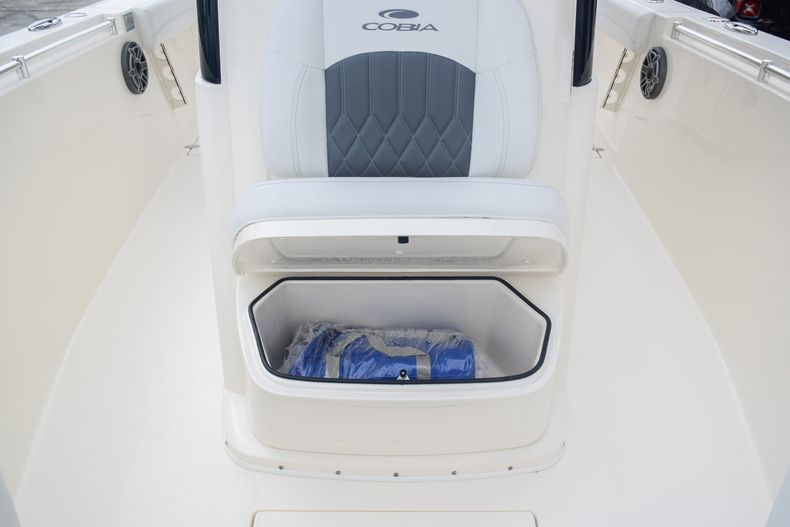 Thumbnail 42 for New 2020 Cobia 280 CC Center Console boat for sale in Fort Lauderdale, FL