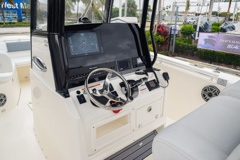 Thumbnail 24 for New 2020 Cobia 280 CC Center Console boat for sale in Fort Lauderdale, FL