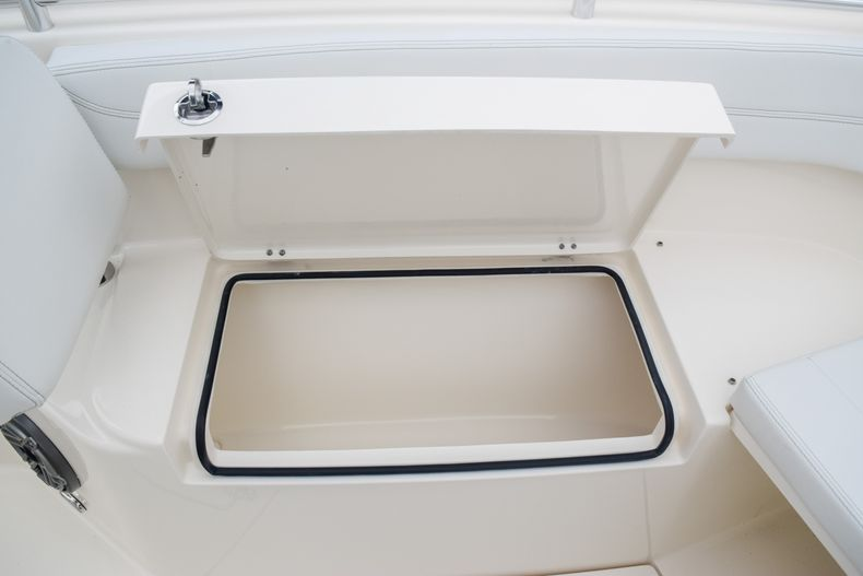 Thumbnail 35 for New 2020 Cobia 280 CC Center Console boat for sale in Fort Lauderdale, FL
