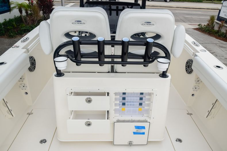 Thumbnail 14 for New 2020 Cobia 280 CC Center Console boat for sale in Fort Lauderdale, FL