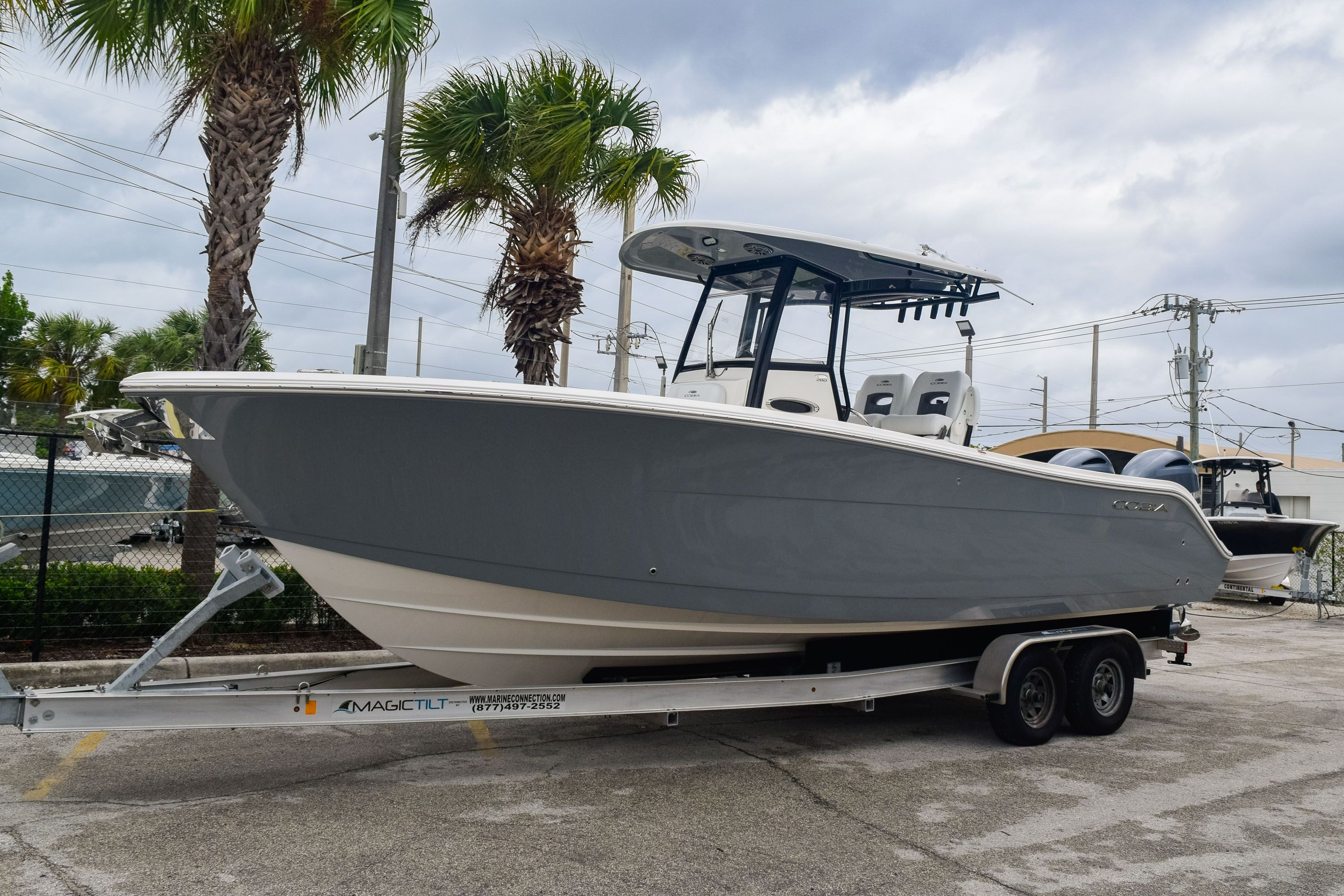 Thumbnail 3 for New 2020 Cobia 280 CC Center Console boat for sale in Fort Lauderdale, FL