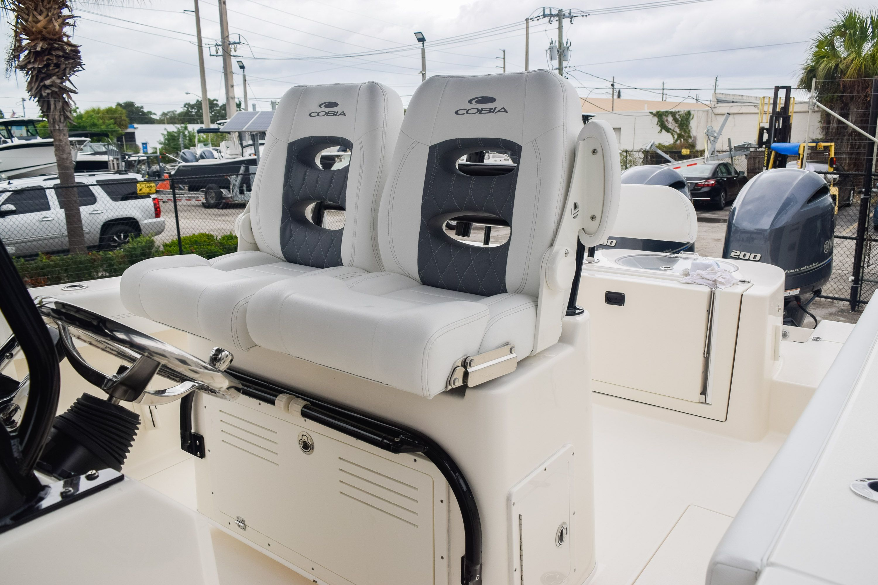 Thumbnail 26 for New 2020 Cobia 280 CC Center Console boat for sale in Fort Lauderdale, FL