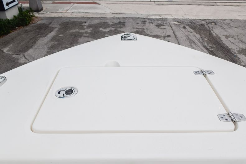 Thumbnail 38 for New 2020 Cobia 280 CC Center Console boat for sale in Fort Lauderdale, FL