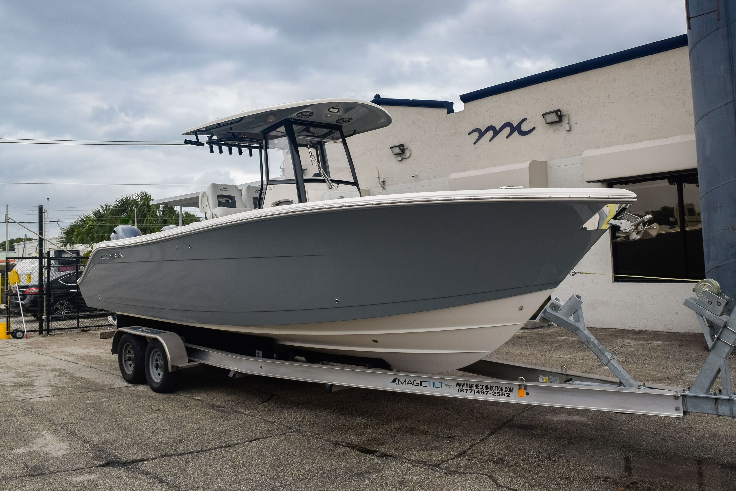 Thumbnail 1 for New 2020 Cobia 280 CC Center Console boat for sale in Fort Lauderdale, FL