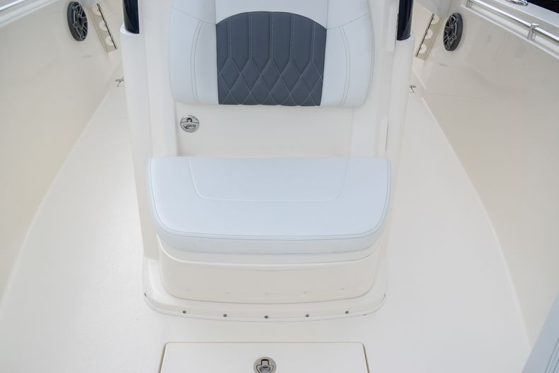 Thumbnail 41 for New 2020 Cobia 280 CC Center Console boat for sale in Fort Lauderdale, FL