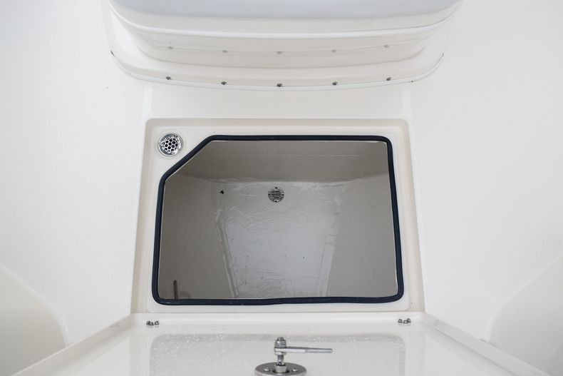 Thumbnail 37 for New 2020 Cobia 280 CC Center Console boat for sale in Fort Lauderdale, FL
