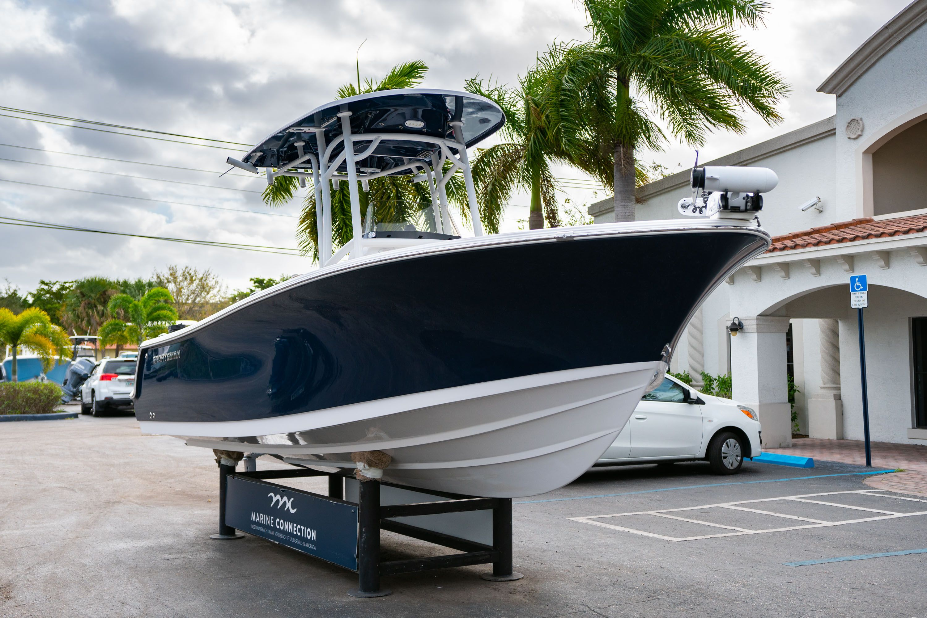 Thumbnail 1 for Used 2018 Sportsman Open 232 Center Console boat for sale in West Palm Beach, FL