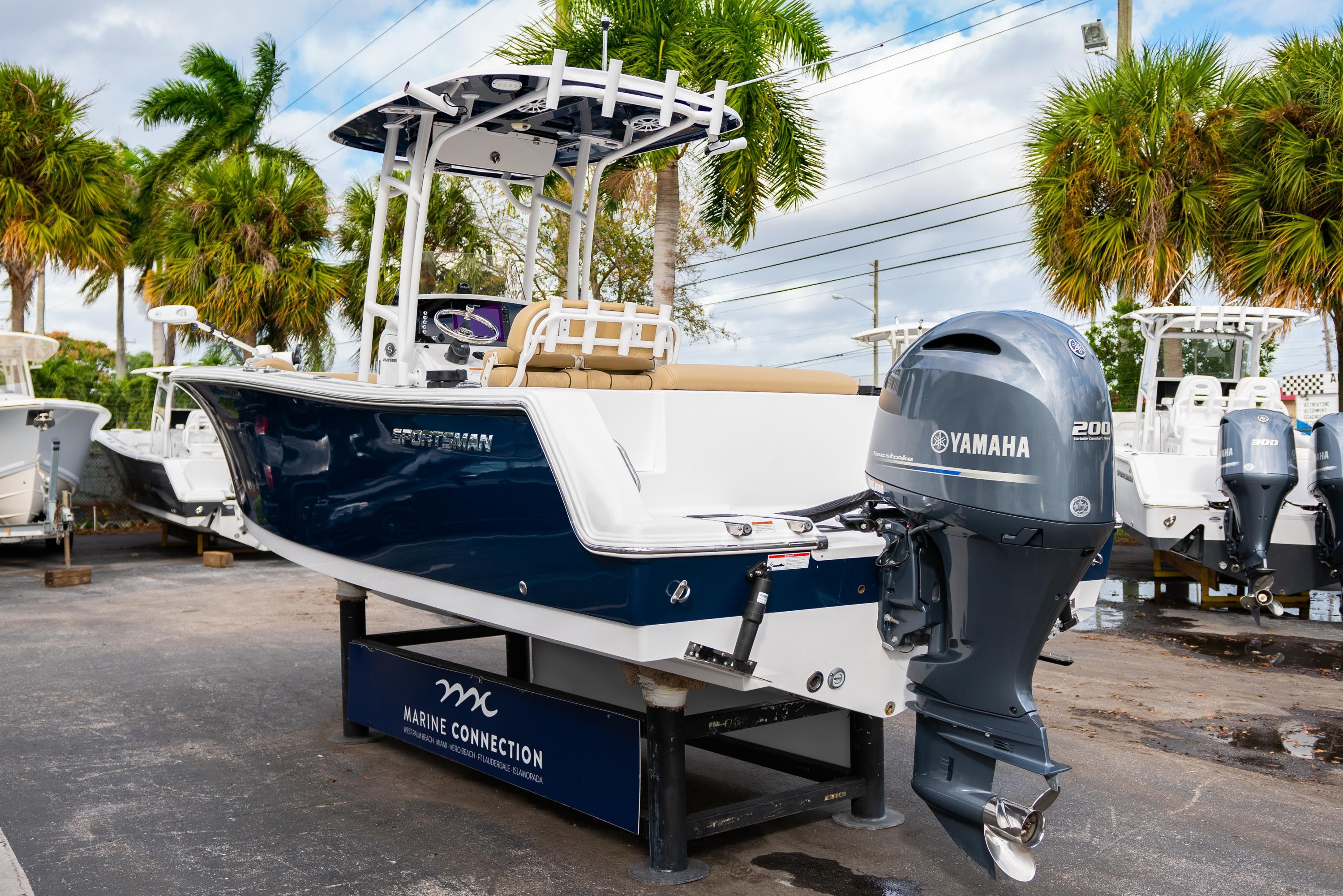 Thumbnail 5 for Used 2018 Sportsman Open 232 Center Console boat for sale in West Palm Beach, FL