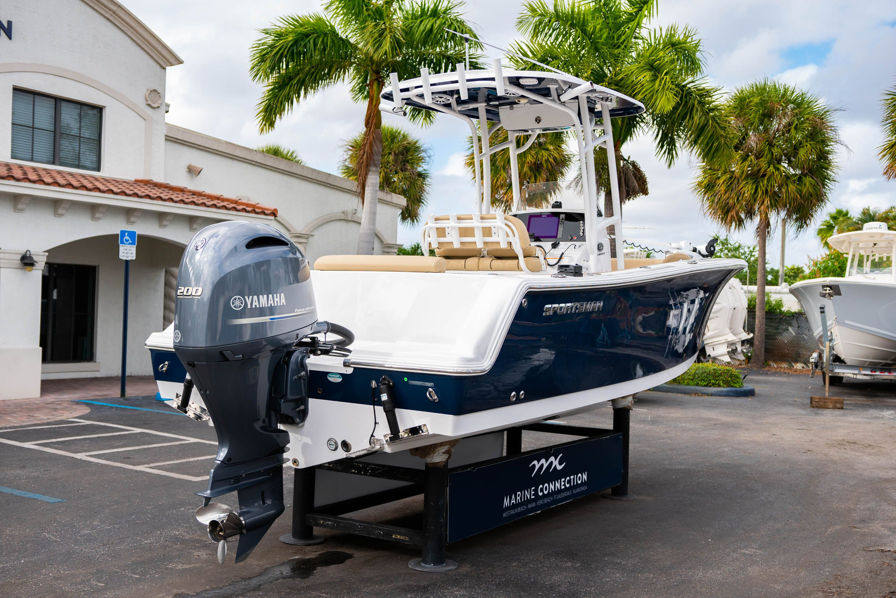 Thumbnail 7 for Used 2018 Sportsman Open 232 Center Console boat for sale in West Palm Beach, FL